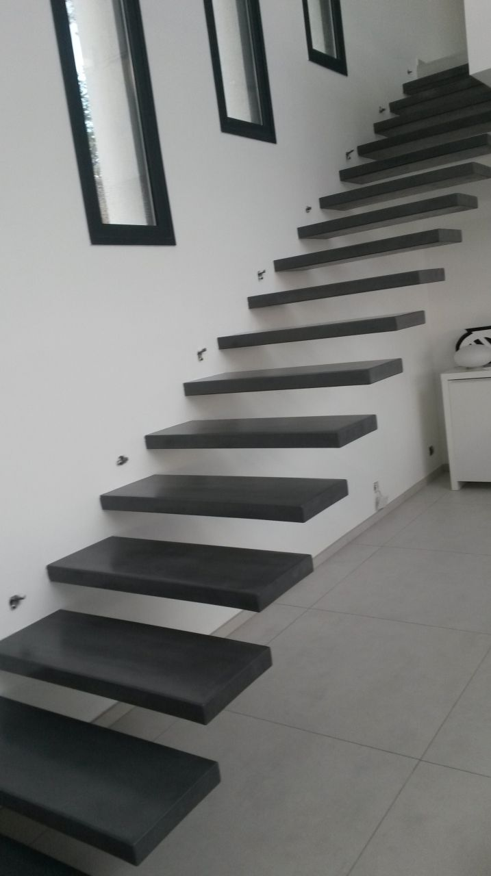 escalier moderne beton stunning inoui escalier design et escalier en beton colore idees. Black Bedroom Furniture Sets. Home Design Ideas